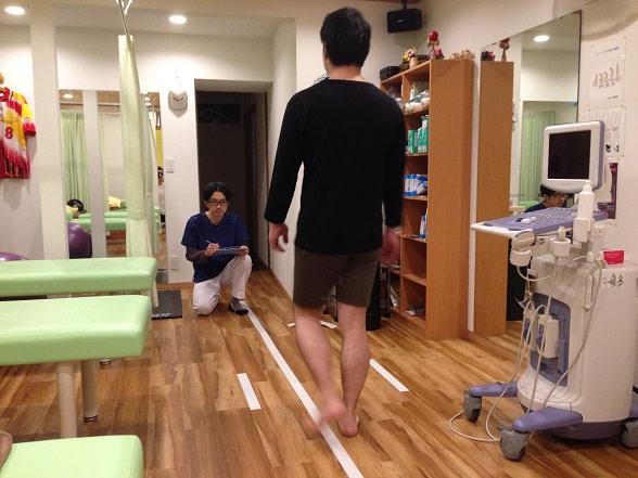 足底筋膜炎の歩行の評価